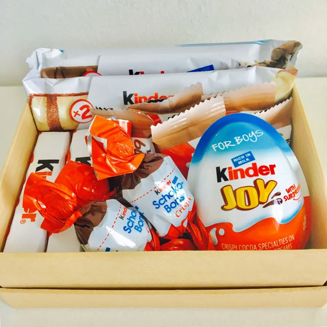 kinder bueno gift box design craft others on carousell. Black Bedroom Furniture Sets. Home Design Ideas