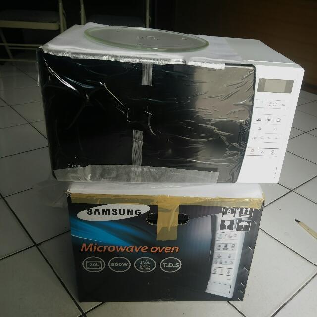 Microwave Oven Samsung tipe ME731K