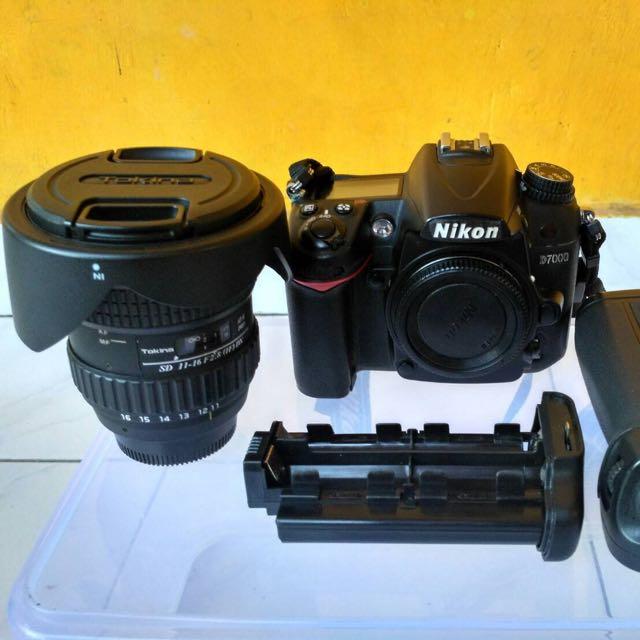 Nikon D7000+ Lensa tokina 11-16 F 2,8 Dx+ Batrai Grip