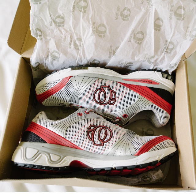 Pearl Izumi Brand New In Box Mens Running Shoes Size 11