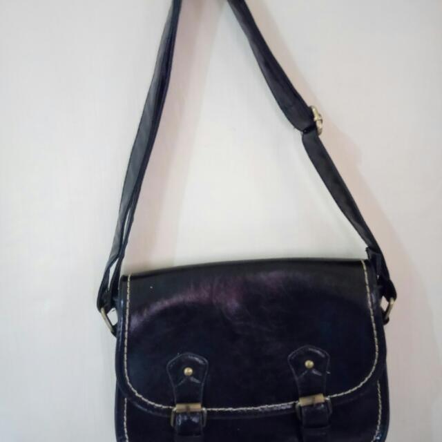 Primadonna Messenger Bag