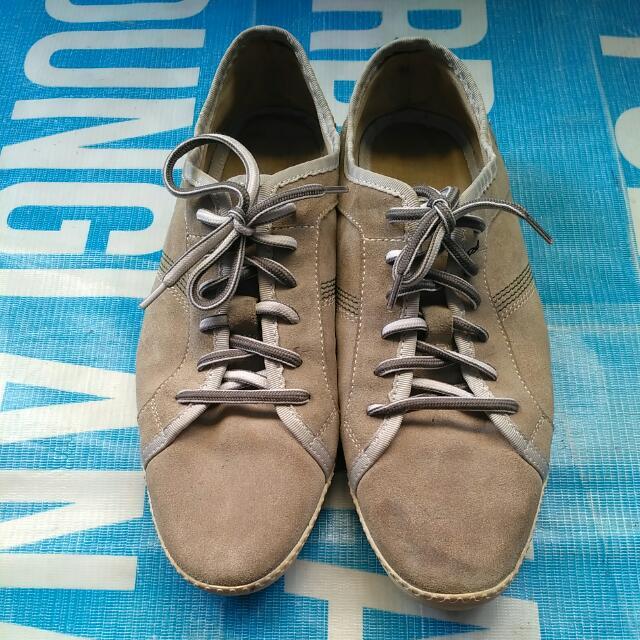 """Sepatu """"PEDRO"""" original size 42"""