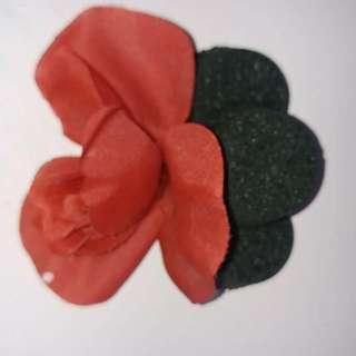 3 black rose scented bath bombs