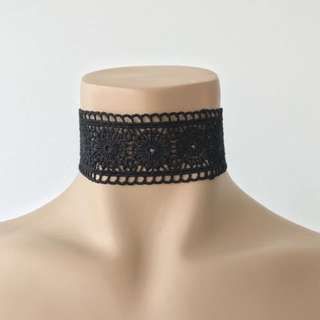 Thick Detailed Choker