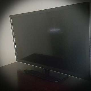 "Dick Smith 31•5""(80cm) HD,LED,LTD TV with Built In DVD player....Model:GE6823"