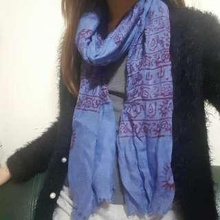 藍色頸巾 Blue Scarf