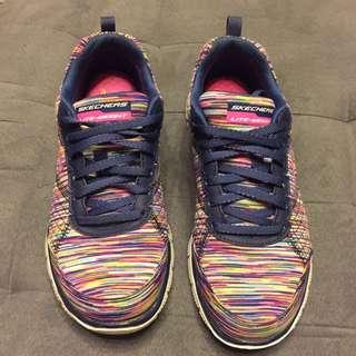 SKECHERS女鞋