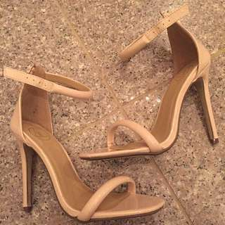 Size 5 Missguided Sandals