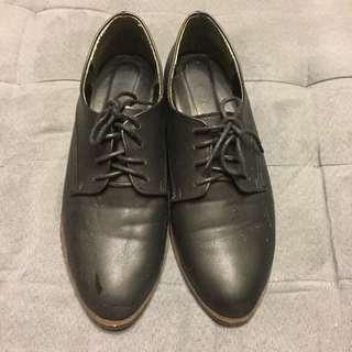 全黑復古鞋