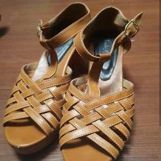 Sepatu Clog