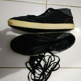 Black & White Sneakers Tomkins