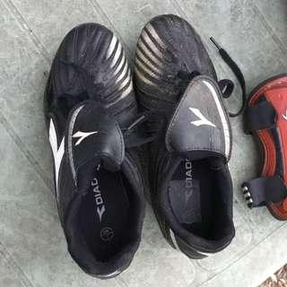 Diadora UK3/US4 ⚽️ Boots