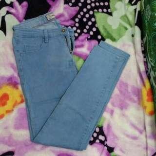 Soft Jeans Biru Muda Nevada