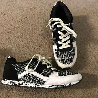 Miss KG Sneakers Size 8