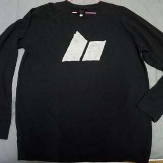 Macbeth Original sweater