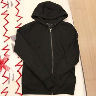 Urban Outfitters購入 黑色拉鍊帽T/拉鍊外套/黑色外套/素色外套