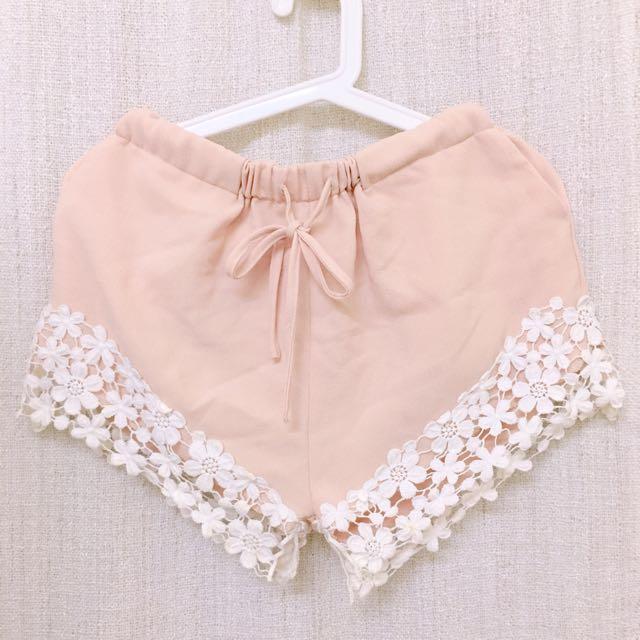 韓貨花朵蕾絲粉橘氣質雪紡短褲