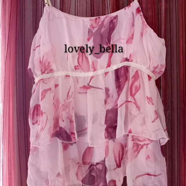 粉紅色唯美 細肩上衣