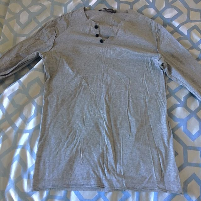 Arthur Galan Grey Long-sleeved Henley Tee