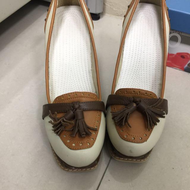 Chloe Chen 學院風跟鞋