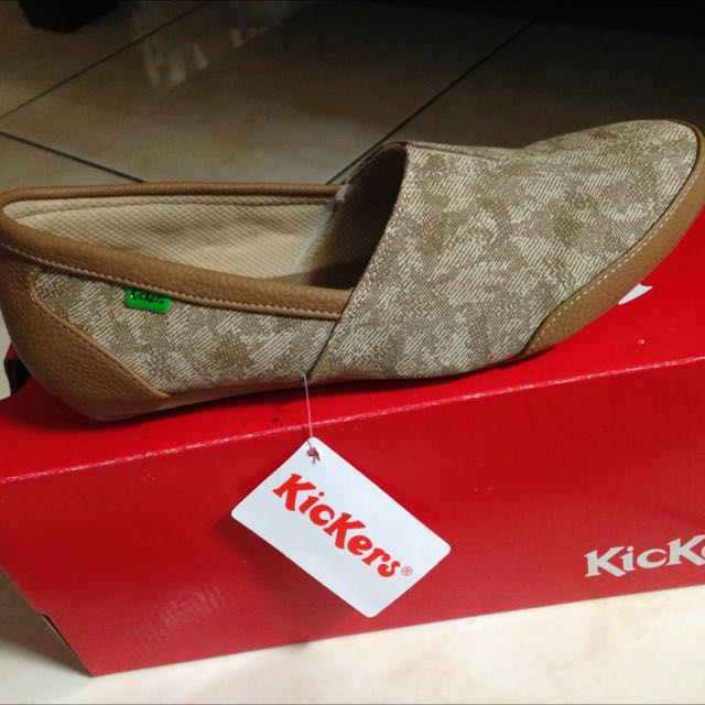 flat shoes kickers