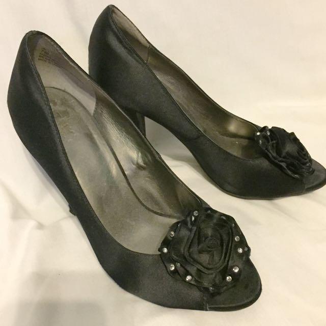 MTNY Peep Toe Heel - Size 7
