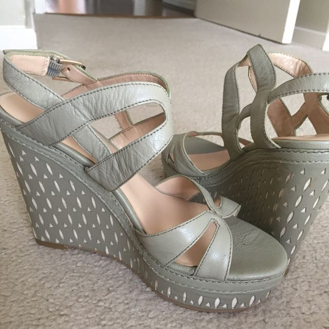 Nine West Wedges Sz 7