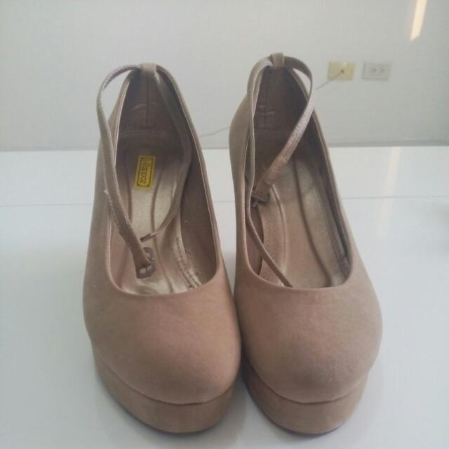 PRE-LOVED  Wedge Shoes