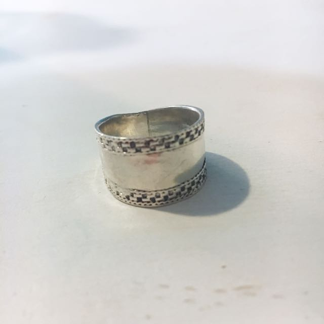 STIRLING SILVER RING 💍