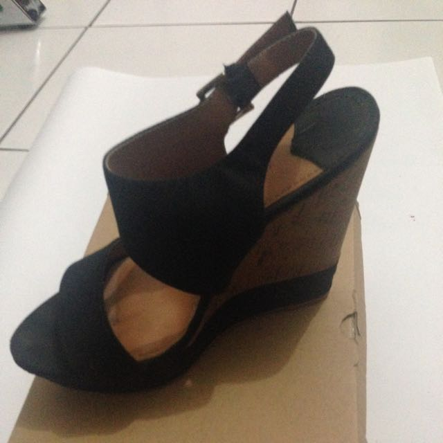 Stradivarius Wedges