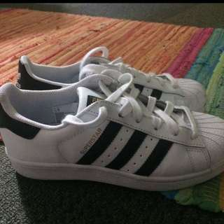 Adidas Superstar (men's Size 4, Women's 7)
