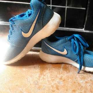 Sepatu Nike Air