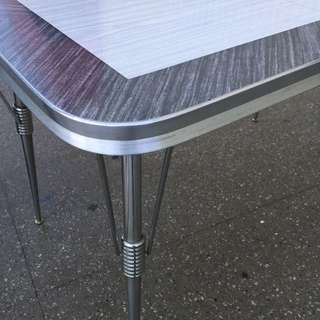 Vintage MCM Formica Chrome Table With 1 Leaf