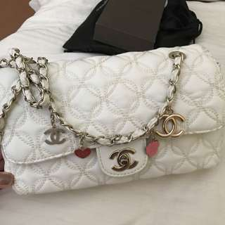 CHANEL White Classic Flap.