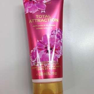 《全新》Victoria's Secret 維多利亞的秘密 身體乳液
