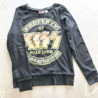 h&m divided line kiss sweater