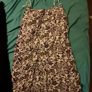 Balck And White Floral Maxi Skirt With Slit