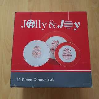 Christmas dinnerware/plate set