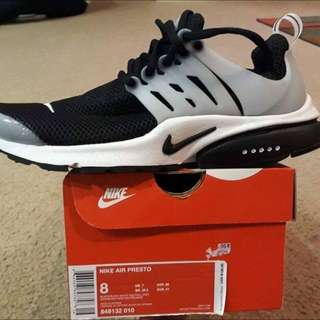 AUTHENTIC Nike Presto