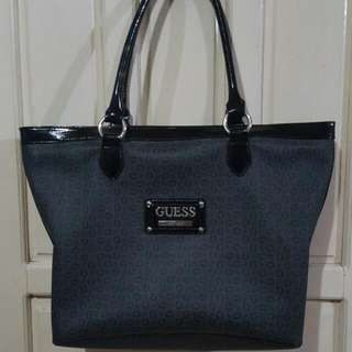 Pre-owned Guess!!