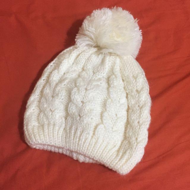 白色毛球毛帽