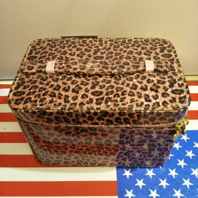 賣粉色豹紋化妝箱