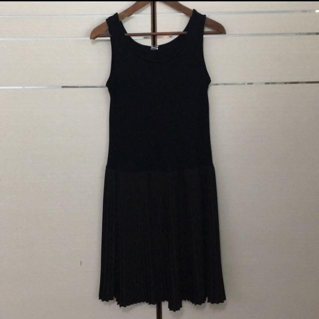 黑色背心百折洋裝