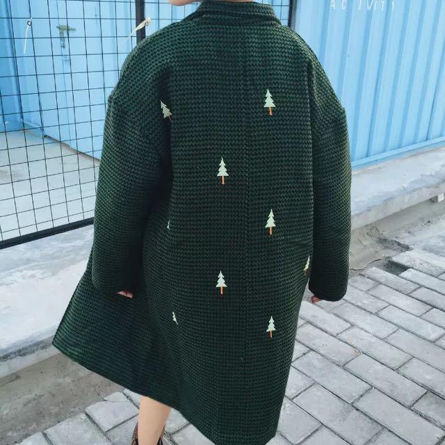 後背刺繡小樹夾棉外套