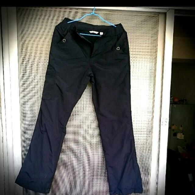 Bossini黑色雪褲