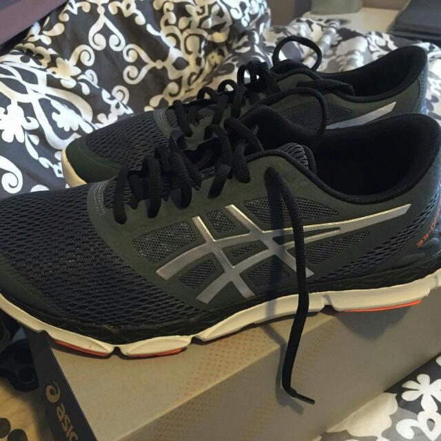 Brand New In Box Men's Size 9