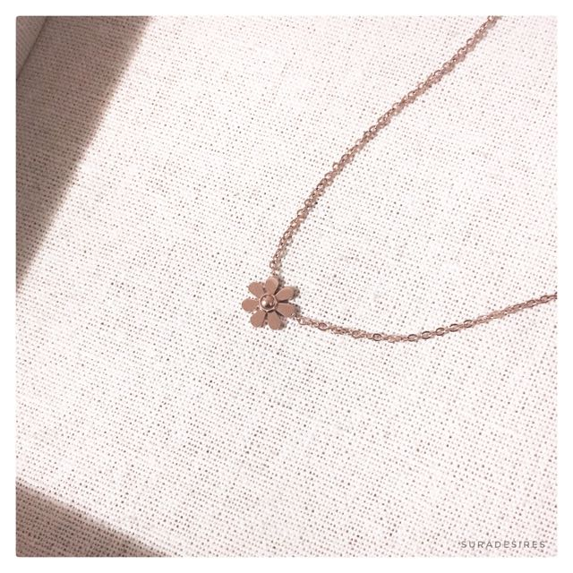 Daisy Necklace Rose Gold