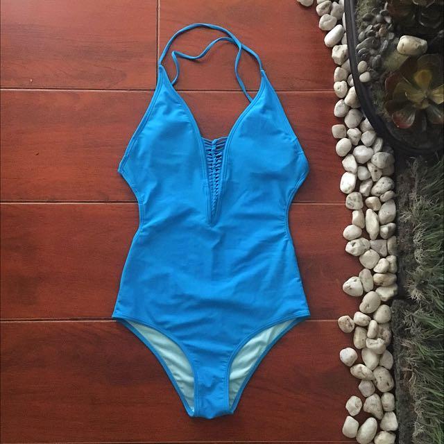 Swimwear: Forever21 Aquamarine