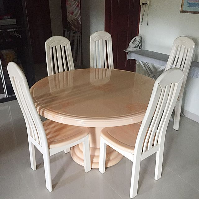 Rare Fibre Glass Round Table With 5 Chairs Furniture Tables
