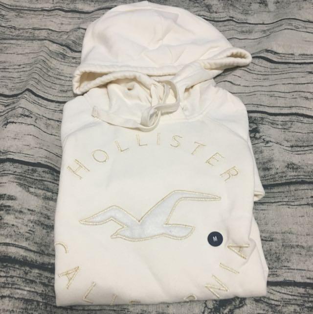 Hollister白色帽t